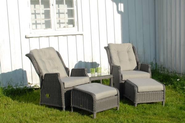 Bilde av Robinson sett 2 regulerbare stoler+paller m/puter+sidebord - gråmelert/strandgrå