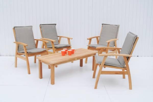 Bilde av Dana sett 4 stoler+S salongbord - teak