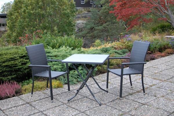 Bilde av Praha sett 2 stablestoler+bord 70x70 cm - tjæresort